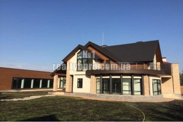 Новое домовладение в охраняемом городке «Обрий-к»