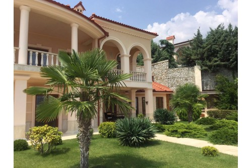 Шикарная Вилла в средиземноморском стиле в Гурзуфе